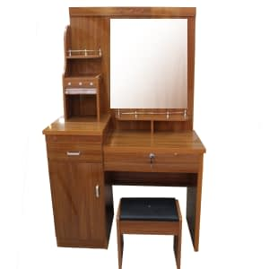 Dressing Mirror with stool