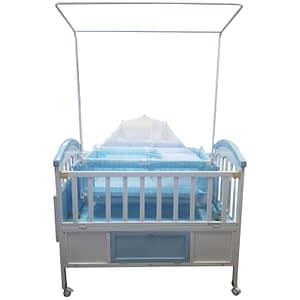 Baby crib with storage color blue / pink